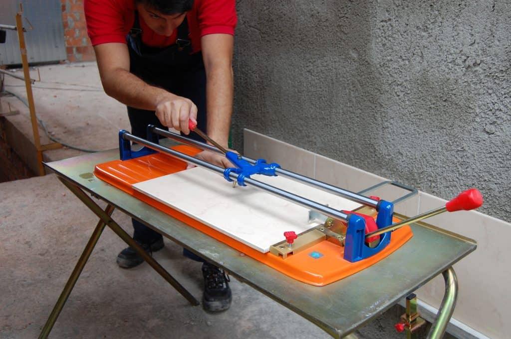 Herramientas para cortar azulejos